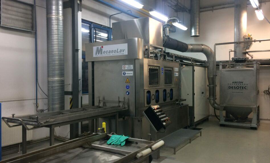 Machine de nettoyage au kérosène pour pièces aéronautiques