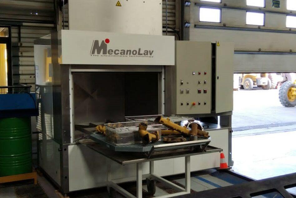 Machine de dégraissage de pièces de maintenance