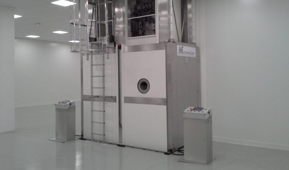 Machine de nettoyage multibains en salle blanche