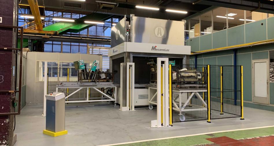 Machine de nettoyage pour pièces volumineuses grandes charges