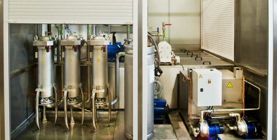 Réservoirs de machine de nettoyage pour pièces volumineuses multibains