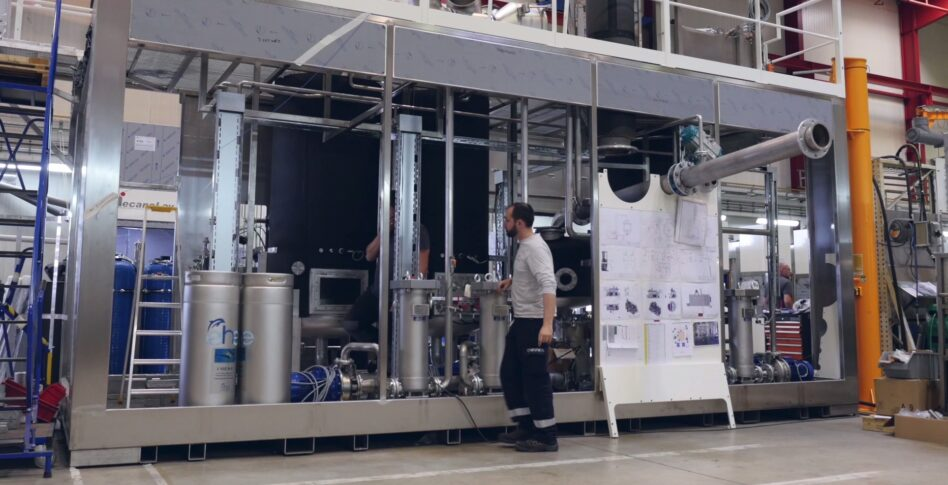 Machine de nettoyage pièces atelier de fabrication