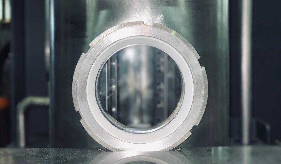 Chambre de travail de machine de nettoyage en flux unitaire ultra compacte